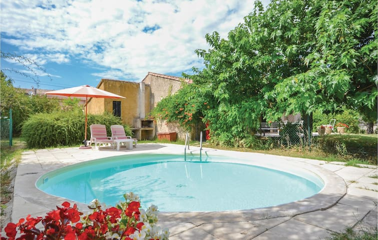 Holiday cottage with 2 bedrooms on 120m² in Gargas