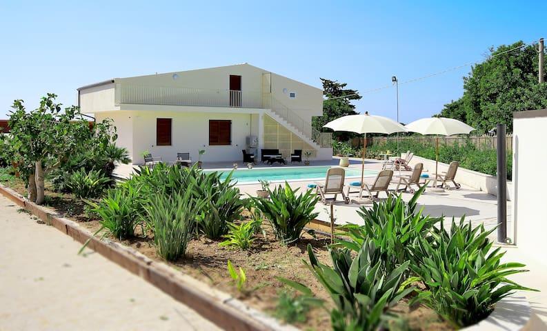 Villa Ciuridda with pool wifi bbq - Scicli - Villa