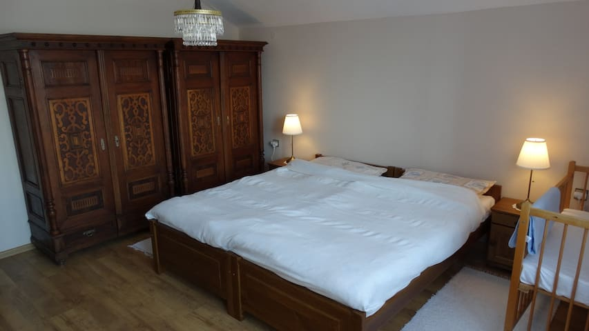 Double bed can be split into twin beds.