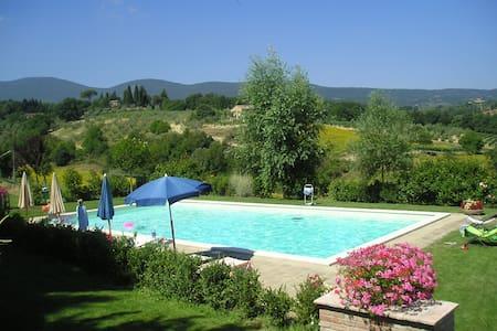 Ginestra: Country house in Tuscany - Huoneisto