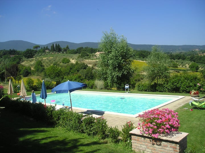 Ginestra: Country house in Tuscany