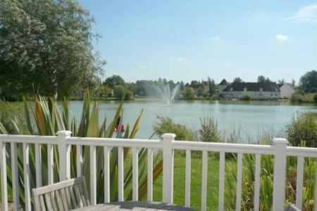 Lake side location on gated estate - South Cerney