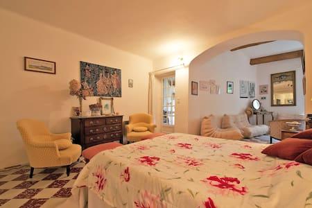 Grande Chambre et Petit Salon