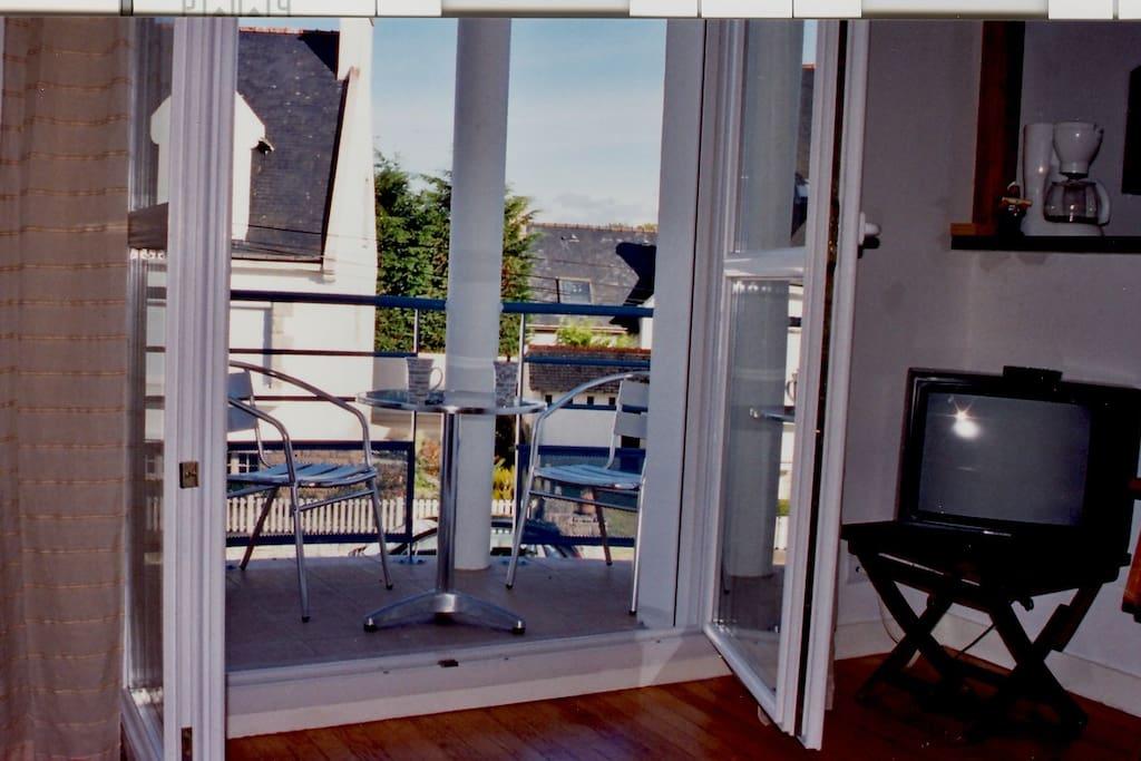 balcon au soleil, pour le petit déjeuner