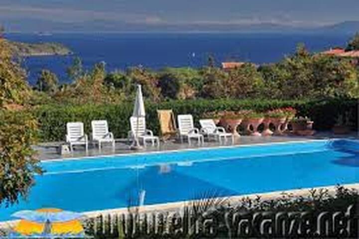 Grazioso Monolocale con piscina  - Capoliveri