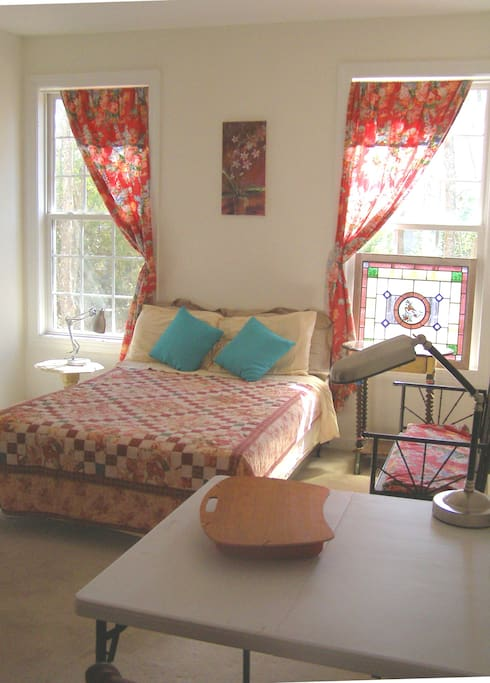 Charming, comfy and clean furnished room is ready for you.