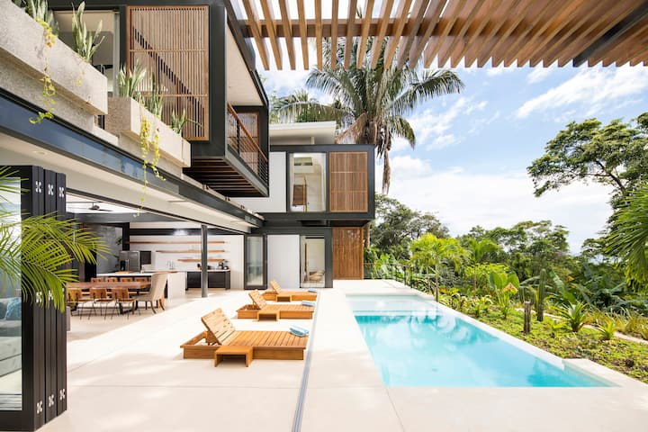 Casa Maleku: Spacious + Sustainable Paradise Villa