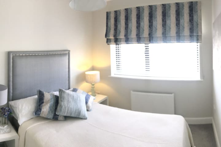 Bettystown by the Sea - Small Double Room