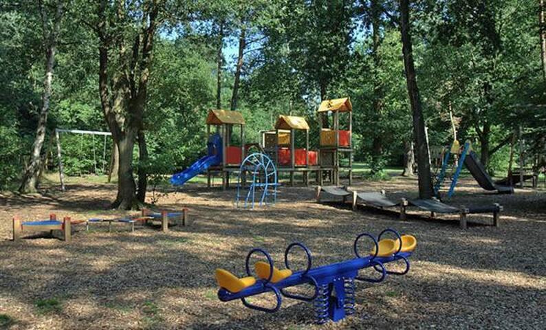 Speeltuin op het park