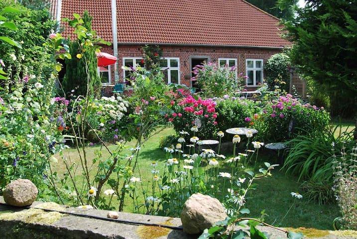 Romantische Fewo im Feriengutshof - Heringsdorf - Lägenhet
