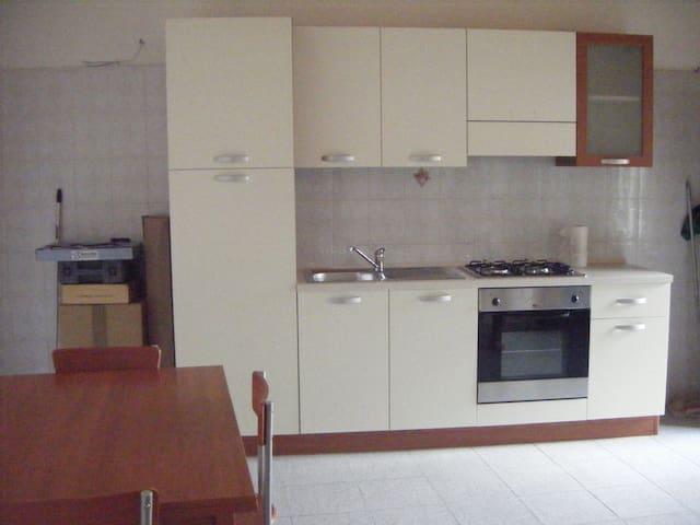Appartamento completamente arredato - Vigevano - Appartement