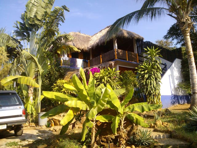 Surfmex La Punta (single or couple) - Puerto Escondido - Huis