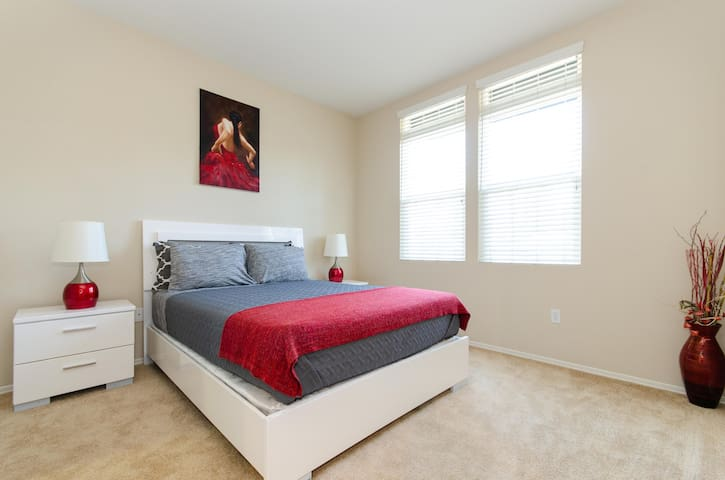 Cozy two bedroom two bath next to Angels stadium