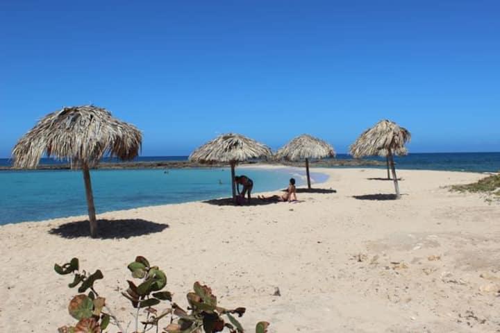 Vista a la Bahía, a solo tres cuadras de la playa