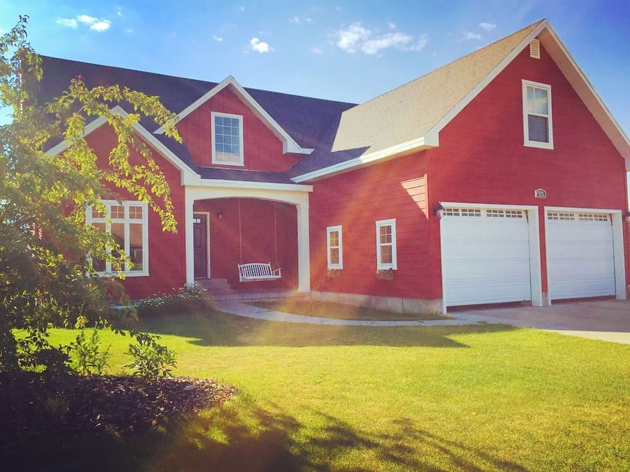 Close to many opportunities for adventure, you'll love staying in this charming 4-bedroom farmhouse.