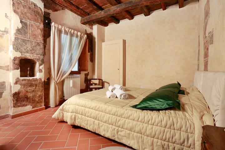 Ponte Vecchio Charming Suite