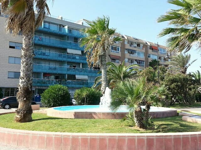 1 linea 1dorm, pool, parking, car - Torrevieja - Leilighet