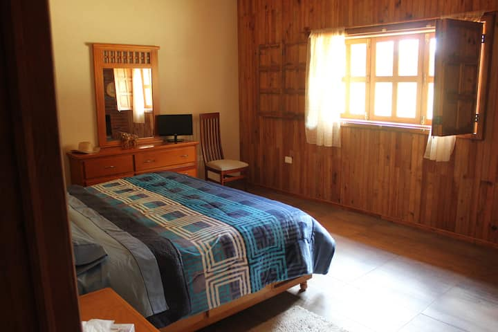 3 habitaciones privadas en casa de campo