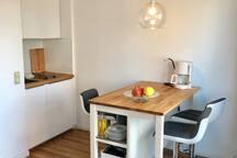 cozy and functional cooking island - gemütliche und funktionale Kochinsel