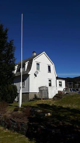 Familienhaus am Seimfjord - Seim - Hus