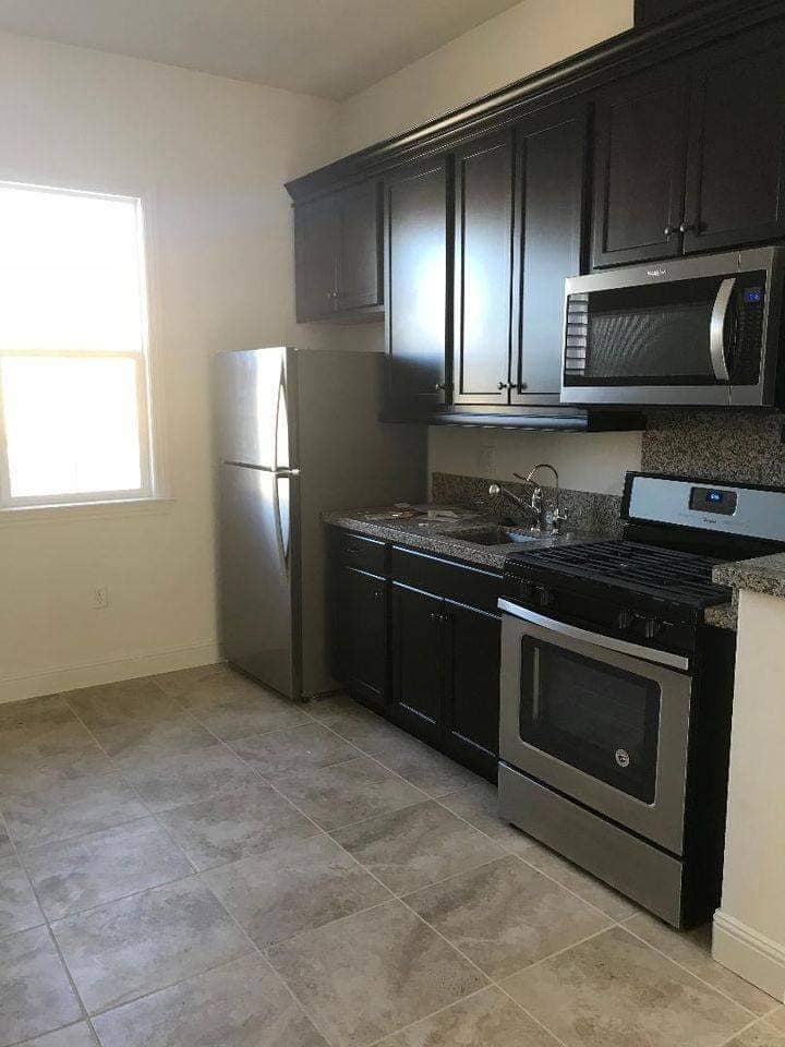 1bed/1bath suite - ideal for working professional