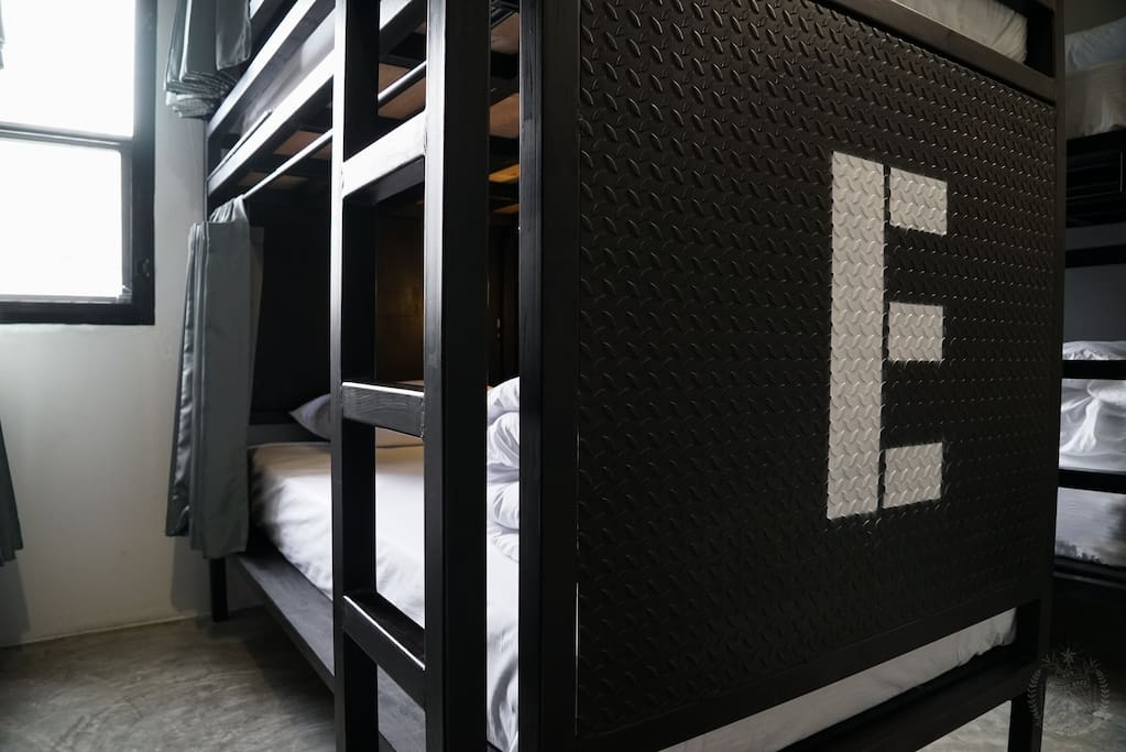 4E Bunk bed (Bottom)