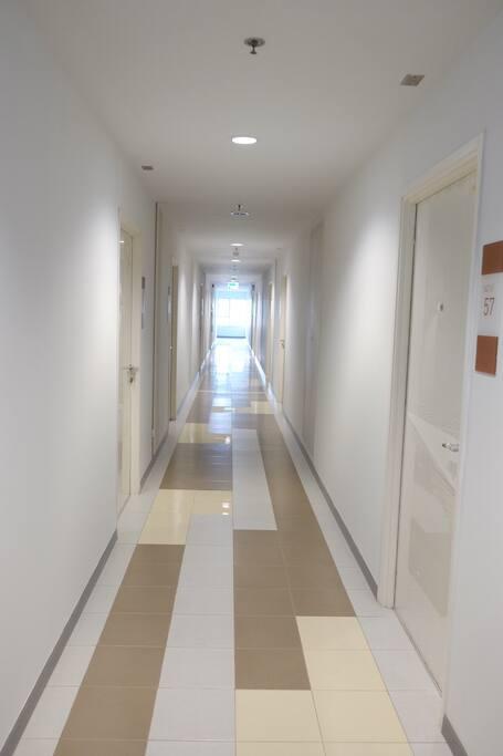 corridors to room