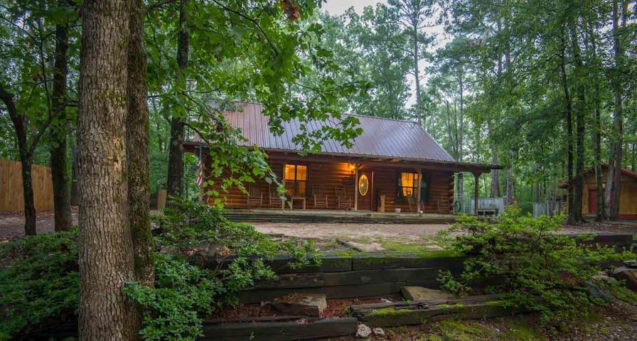 Mountain Bear Lodge - Wifi, Hot tub, Pet-friendly