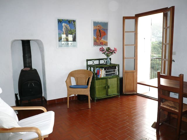 2 Bedroom House, Mountain Village, North Corsica - Speloncato - Rumah