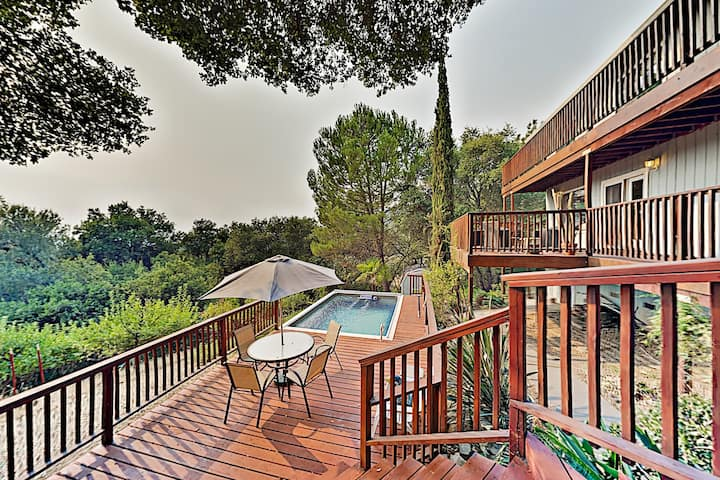 Infinity Ranch: Wooded Retreat with Hot Tub & Pool