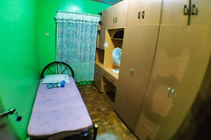 ★ Single Room w/ Fan WiFi @Anito Mambajao Homestay
