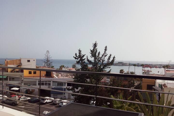 Vistas desde la Terraza al Puerto de Los Cristianos