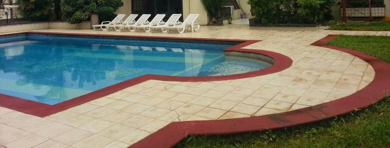 Large, modern, serviced apartment in Ikeja