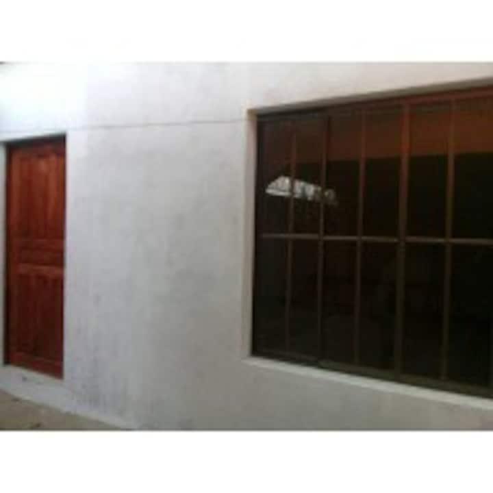 confortable habitacion en (residencial cuastomita)
