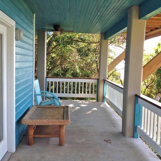 apt front porch