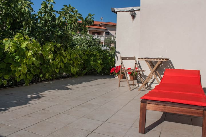 Charming apartment in a small mountain village - Roccamorice - Apartemen