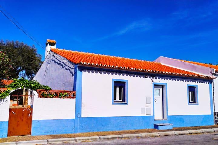 Casa Menir - tipicamente simples e acolhedora