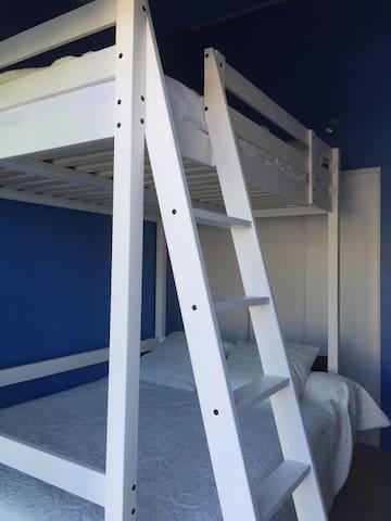 Double lits superposés chambre 1
