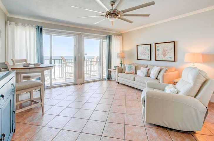 Lovely third-floor condo in Miramar Beach! Direct gulf-front views! Free beach chairs! Pool on-site!