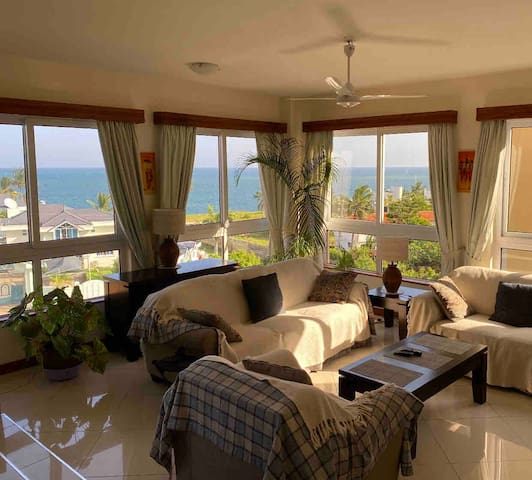 Nyali Serviced 280sqm 4 bed,  Sea-side + AC