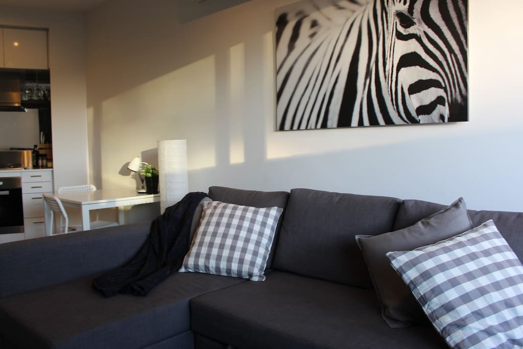Spacious lounge to enjoy sunshine