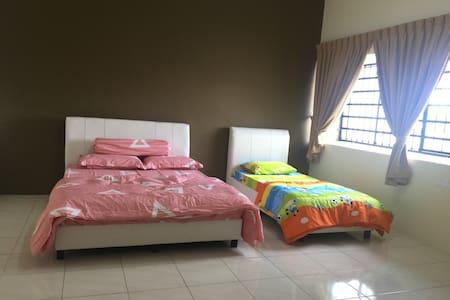 2 Storey Vacation Home @ Chai Leng Park, Prai - Perai