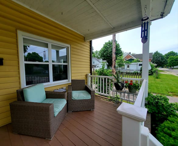 Cozy home near Millrace and downtown Goshen!