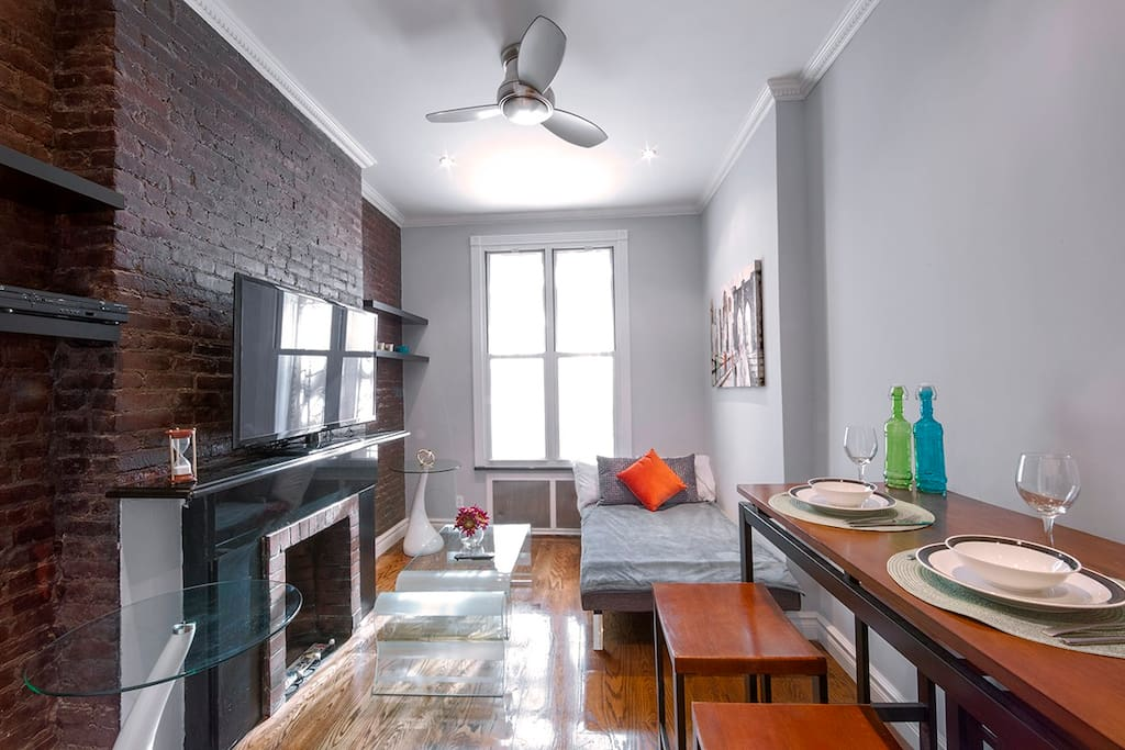 Perfect for a family or friends stay with area to dine, entertain, relax and more!