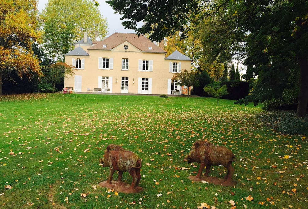The house with the boars Castor & Pollux