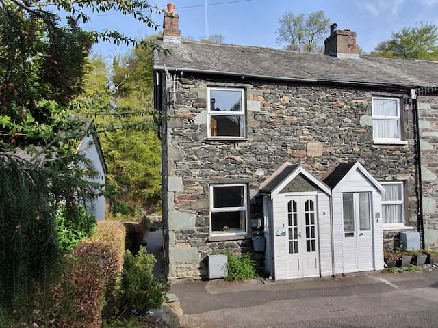 ♥♥ Lovely Keswick cottage by the River Greta. ♥♥