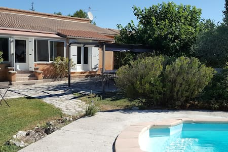 House in Velleron with pool - Velleron