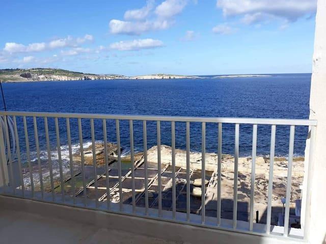 Sea view flat next to Comino & Gozo ferries