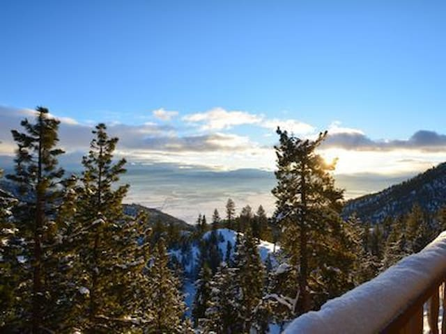 HEAVENLY TAHOE MOUNTAIN TOP VIEW 3bd/2ba w/JACUZZI