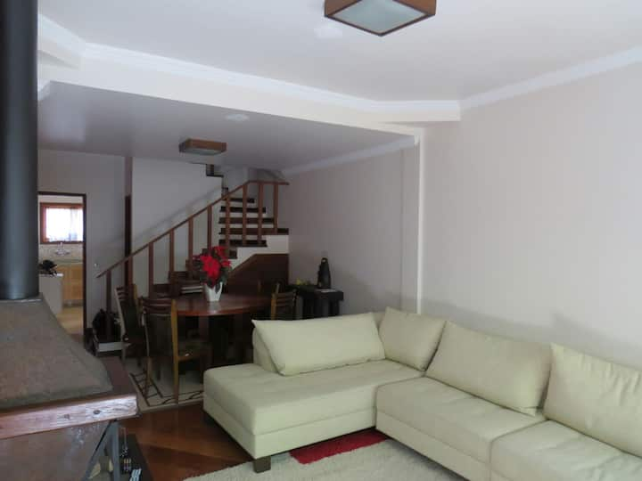Casa em Campos do Jordão  próximo ao Baden Baden